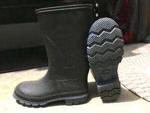 Men's Rubber Boots - size 8