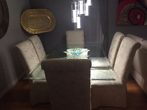 ELEGANT DINING WITH 6 CHAIRS London Ontario image 2