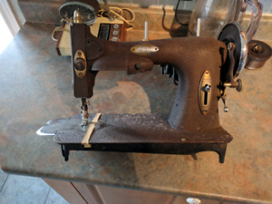 Sewing machine with cabinet- White Model 43, 1939