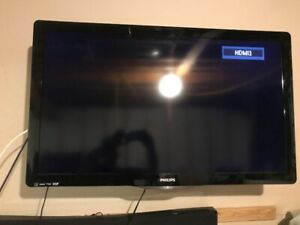 "Phillips 40"" flat screen tv,wall mount, LG DVD player, vizio sys"