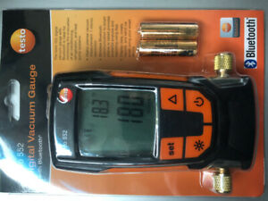 Testo 552 digital vacuum gauge