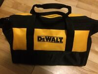 Dewalt small tool bag / petit sac a outils NEUF new