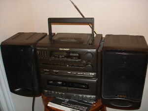 SHARP PORTABLE STEREO COMPONENT SYSTEM WITH CD & DISC PLAYER