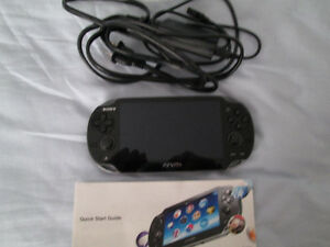 PS VITA LIKE NEW WITH 8GB MEMORY CARD