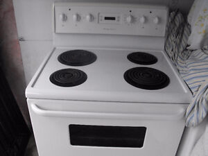 Frigidaire stove with burners