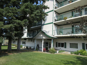 Top Floor Corner Unit - Sundre MLS: CA0113201