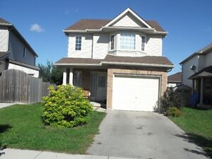 9 YEARS HOUSE FOR RENT START OCT.01