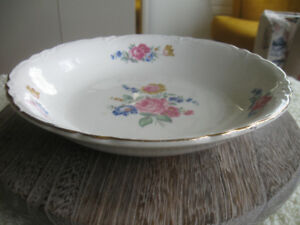 UNUSUAL OLD VINTAGE 8.5-in CHINA SHALLOW BOWL