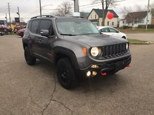 2016 Jeep Renegade Trailhawk***Leather,B-up Cam,4x4*** London Ontario image 3