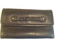 💙 Beautiful Tula navy blue soft leather purse