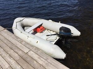 Zeppelin inflatable boat with outboard