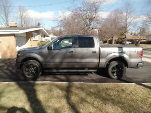 2014 Ford F-150 Fx4 SuperCrew- Low KM