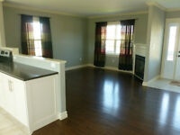 EXECUTIVE CONDO FOR RENT IN STRATFORD