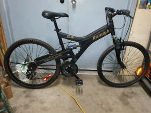 Raleigh Mountain Bike dual suspension- made in Canada