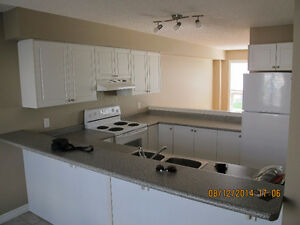 May 1st - Students - 5 BDRM HOUSE - UWO $325/RM