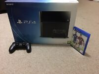 PS4 500Gb, 2 dual shock controllers and FIFA 15