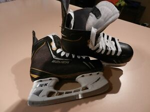 Junior Bauer Supreme One.6 skates sz.4.5
