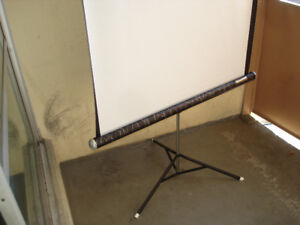 VINTAGE 1970 'S  NEW DAYLITE 40 INCH PROJECTION SCREEN.
