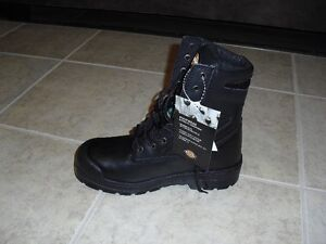 REDUCED-Brand New men's Dickies Safety boots (still in box) Cambridge Kitchener Area image 4
