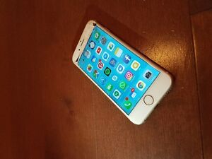 iPhone 6 16GB GOLD - front screen cracked - $300 (ono)