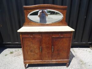 Vintage/Antique Buffet Hutch