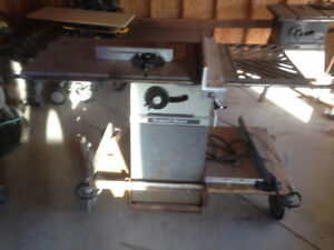 Rockwell/Beaver table saw with lots of extras