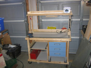 Mobile utillity tool and storage bench/cart
