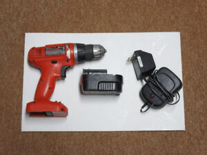 Black and Decker 12V drill/driver