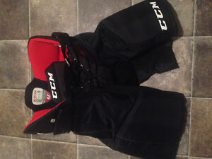 CCM Men's Medium Hockey Pants