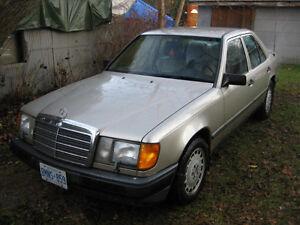1986 Mercedes-Benz 300-Series E Sedan
