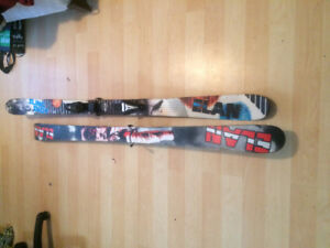 Élan Skis for sale. Skis are are 160cm in length
