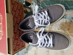 ebc851d02d Vans shoes size 5 new