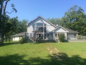 Waterfront Paradise on Howe Island - 568 Spithead Road