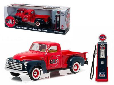 1950 Gmc 150 Pickup Truck Gulf Oil W  Vintage Gas Pump 1 18 Diecast Model 12984