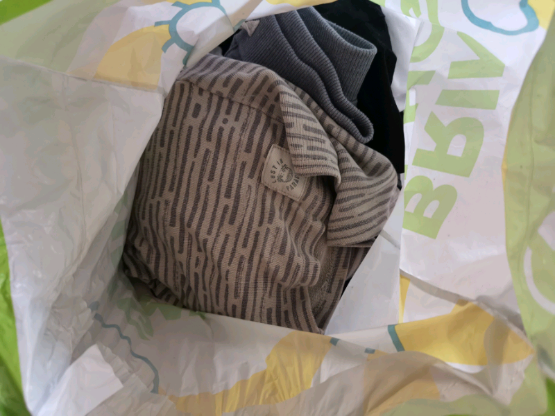 Bag of boys 7-8 clothes free to collect