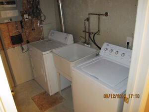 2200 S/F 4 BDRM HOUSE $400/ROOM