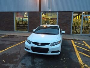 Honda Civic 2012 Coupe / Auto / Full Equip / WOW
