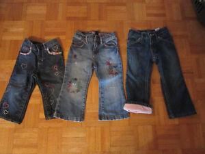 trois jeans gap /old navy 2/3 ans