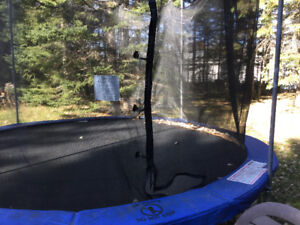 Trampoline with brand new netting