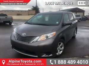 2016 Toyota Sienna LE FWD 8-Passenger  Hard to find , almost new