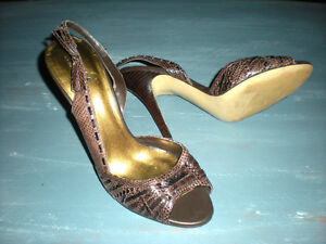 Guess Heels, Size 9 Strathcona County Edmonton Area image 1