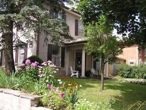 Elora Century Home 1375 sq ft. Flat inclusive Jan.