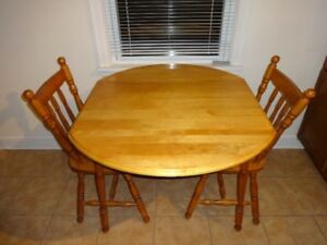 Maple kitchen table & 2 solid wood chairs  $120