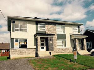 St-Apollinaire | Jumelé cottage neuf 2 étages à vendre