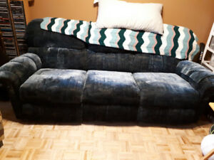 Selling recliner couch