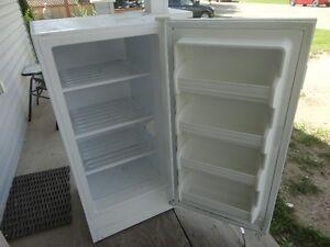 7 cubic foot upright freezer
