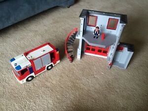 Playmobil fire station and fire truck