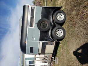 '86 ROAD KING TWO HORSE TRAILER FIR SALE