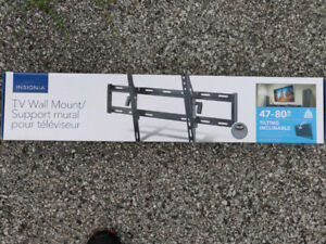 """TV Wall Mount 47-80""""  Inclinable - Brand New - unoponed"""