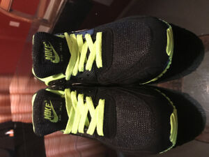 Brand new never worn Nike Air Max Mens